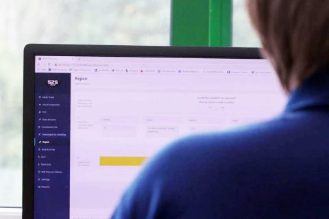 Technician using Portal